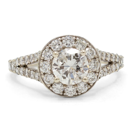 Enchanting Diamond Engagement Ring