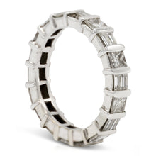 Load image into Gallery viewer, Round & Baguette Diamond Band