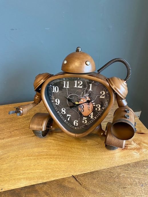 Brown Robot Clock 🤖