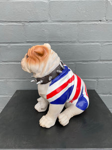 Sitting Bulldog 🇬🇧