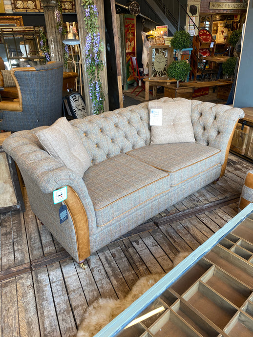 2 Seater Caesar Sofa in Gamekeeper Thorn