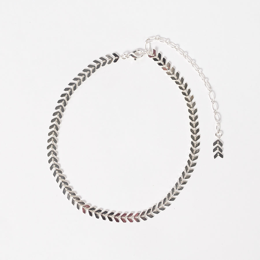 chevron choker in silver - modern necklace - shiny - handmade - jewelry