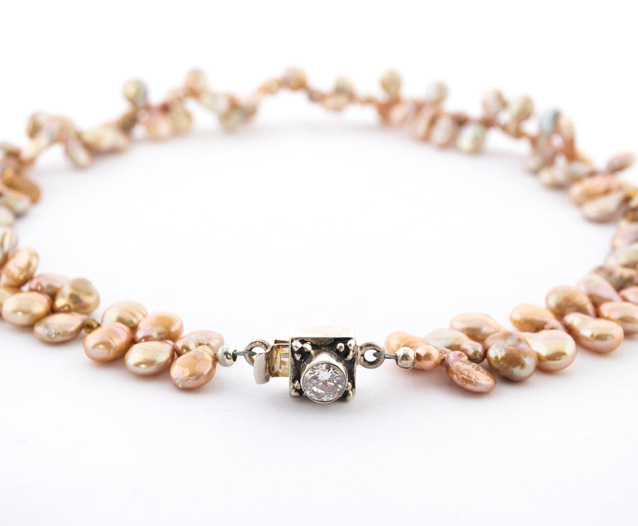 Champagne Tip Pearls Necklace - closeup - clasp