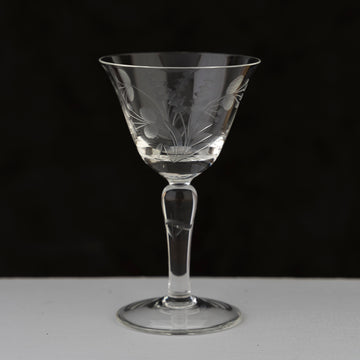 etched flower design in the 1930s cocktail glasses