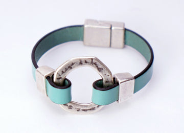 Turquois Leather / Circle