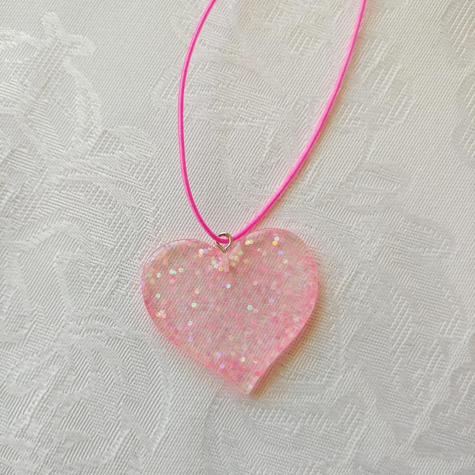 Glittery Heart Necklace ll Stretchy - SimplyGinger