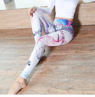 Choosing The Right Yoga Pants for Your Practice and Your Body