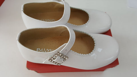 White panyo shoes