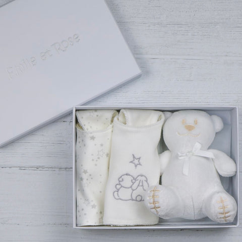 Emile et rose white bib gift box 4235wh