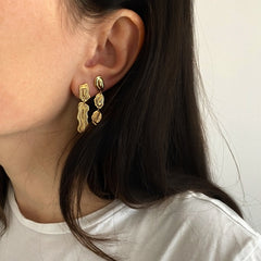 Saliana Short Drop Earrings Gold