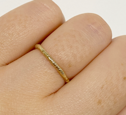 1.5mm Organic Twisted Ring