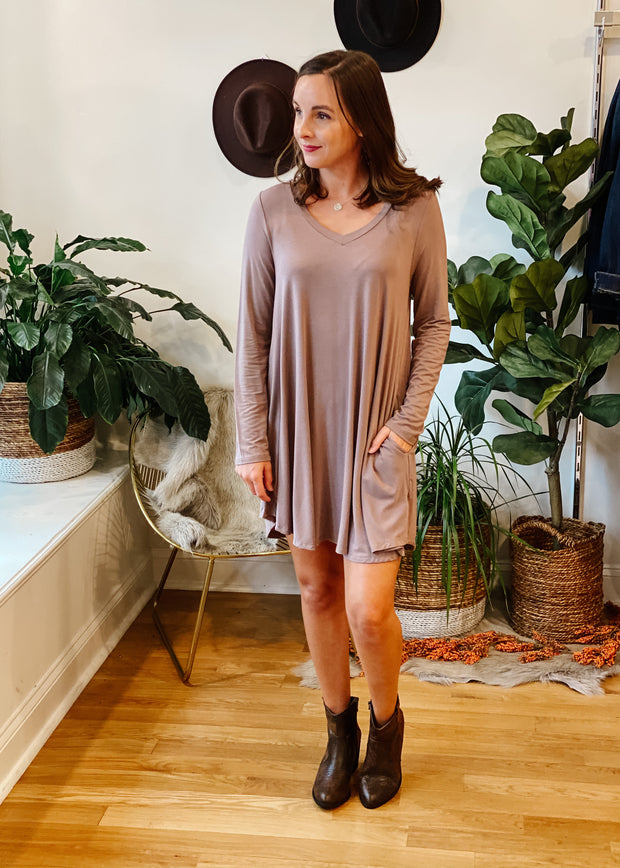 The Austin Pocket Dress (mocha)