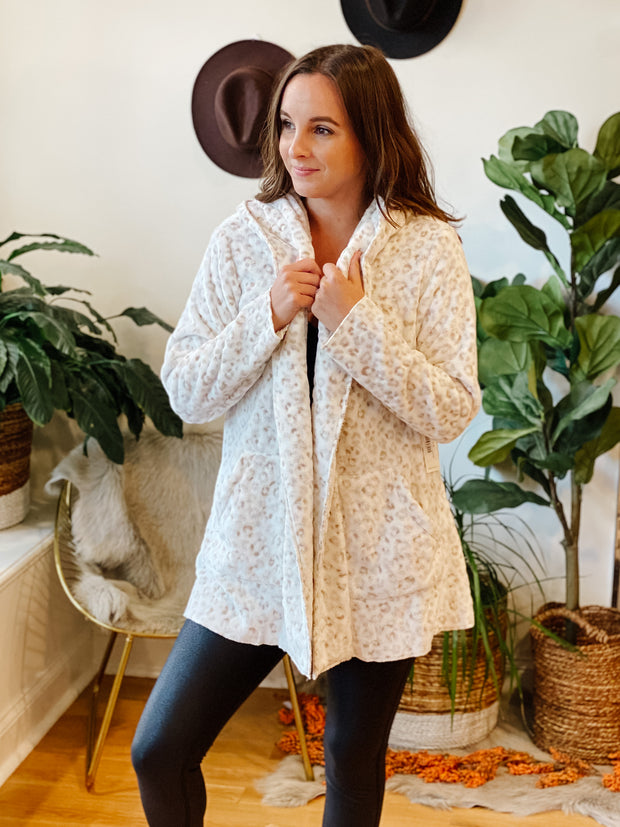 The Cozy Feels Leo Cardi