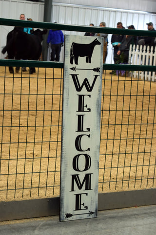 WELCOME SIGN BLACK HEIFER
