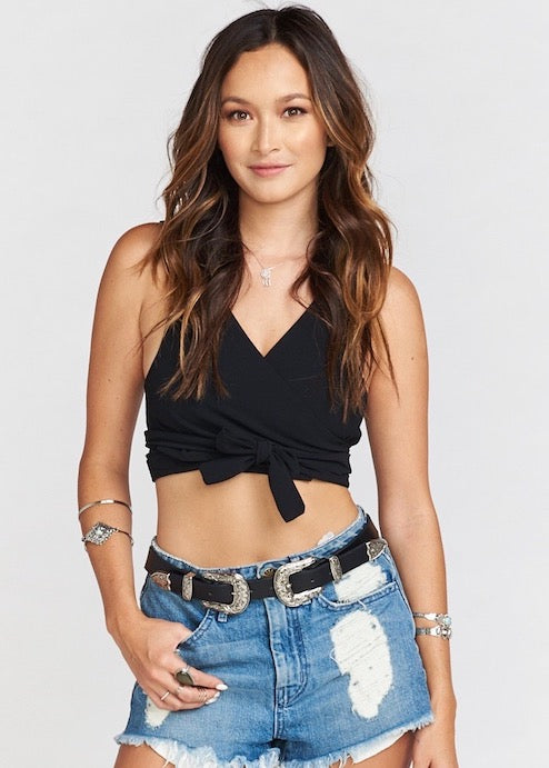 Show me your mumu conga wrap crop top - Black
