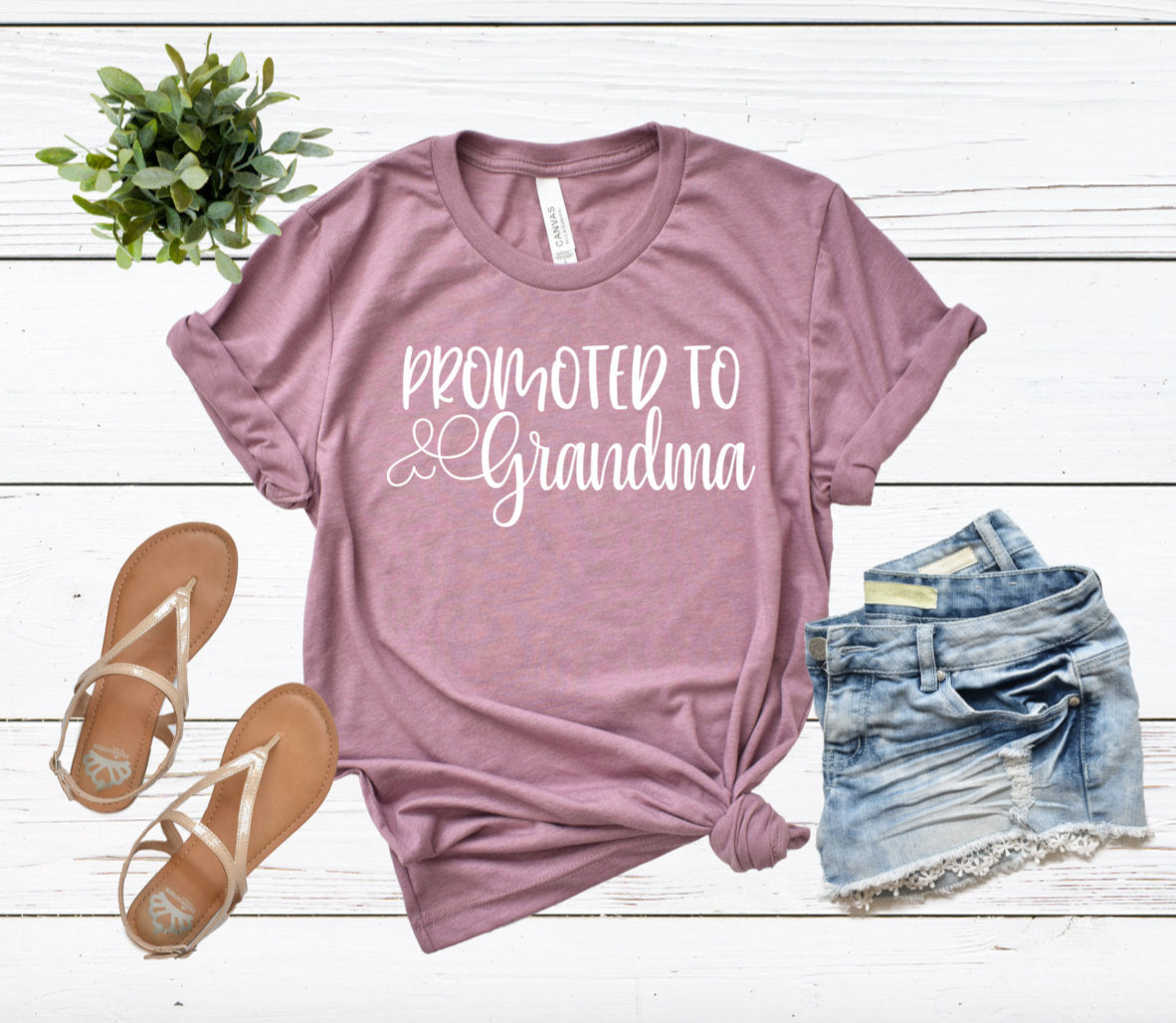 Promoted to Grandma Heather Orchid T-shirt - Grandma Shirt - Pregnancy Announcement Gift - Grandma To Be