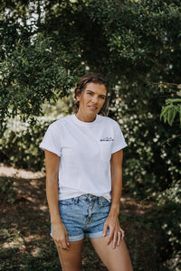 grace like a wave pocket tee