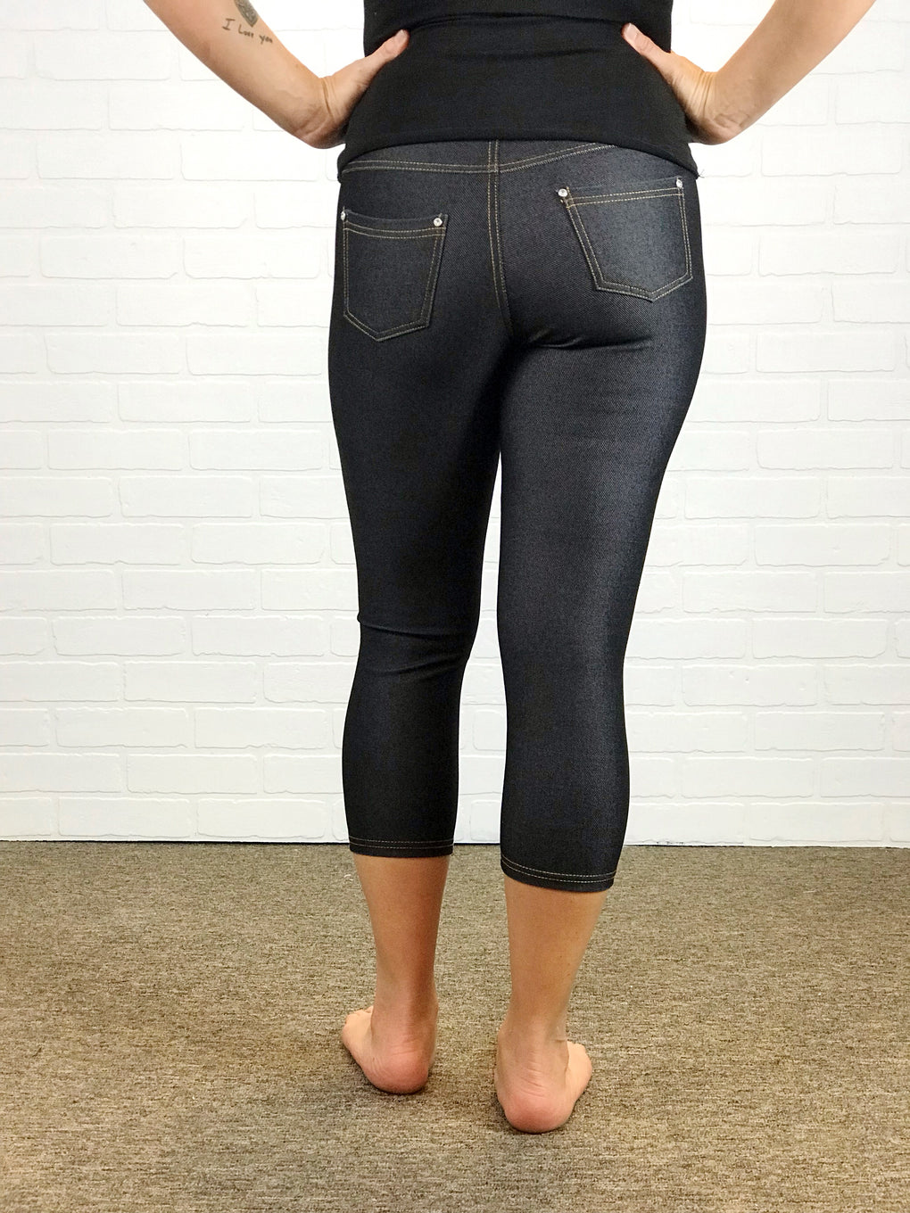 Jean Stretch Capris - Black