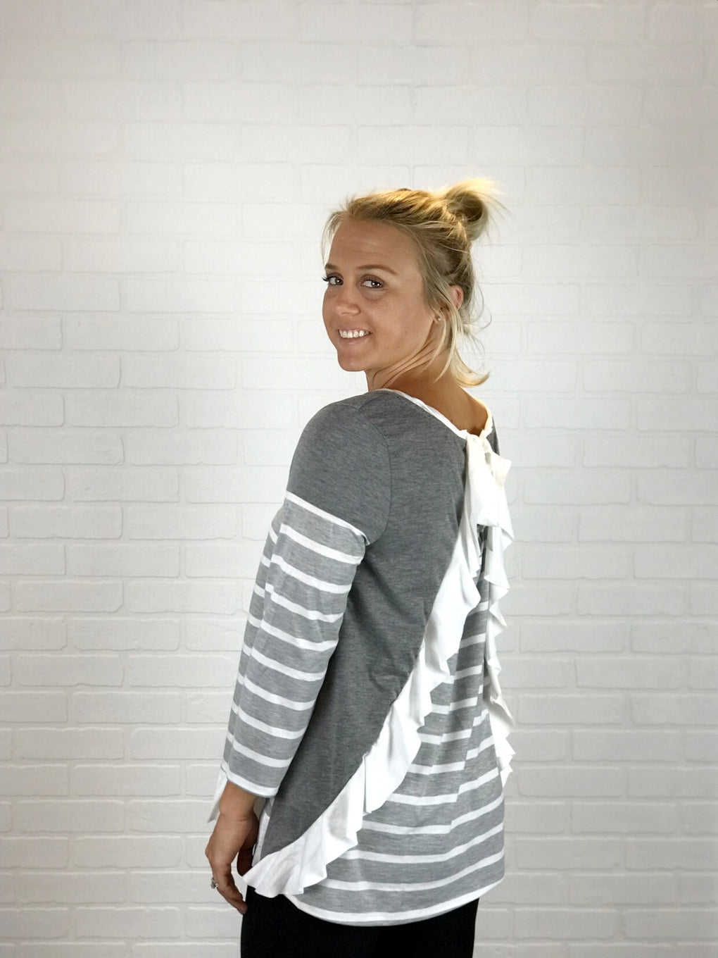 Lynzie Back Bow Top - Grey