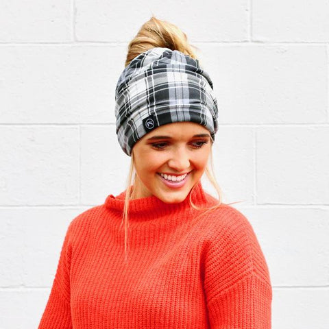 BLACK AND WHITE PLAID PRETTY SIMPLE BEANIE