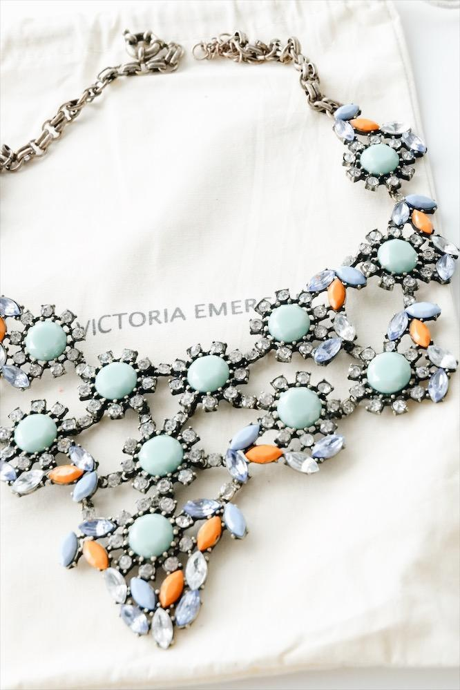 VICTORIA EMERSON - SARAH STATEMENT NECKLACE