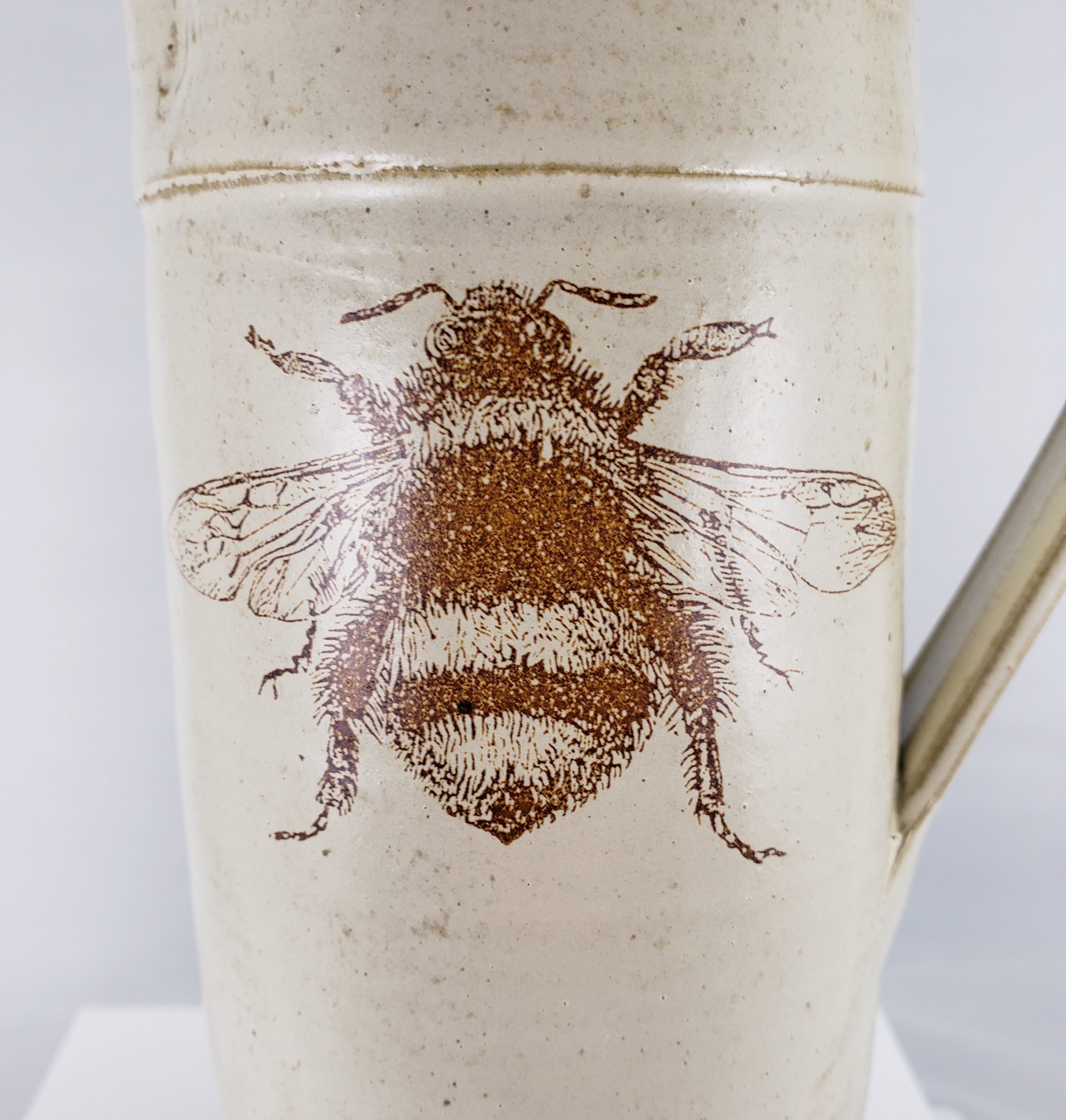 Potsalot Pottery-Pitchers with Bee images Matte White