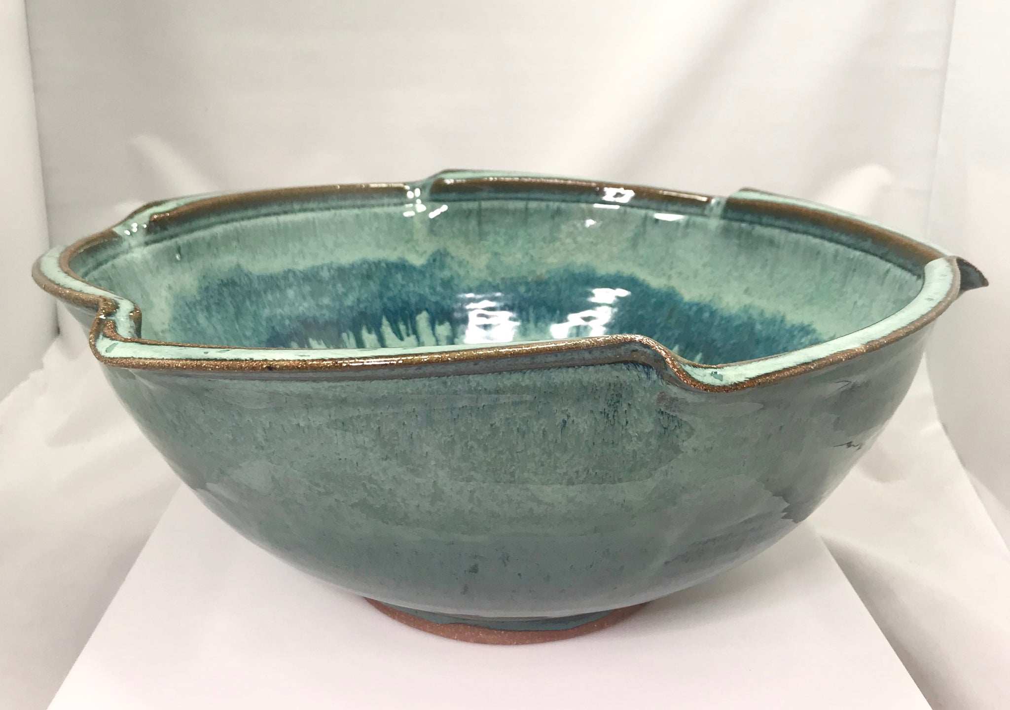 Medium Scalloped Bowl - 318 Art and Garden
