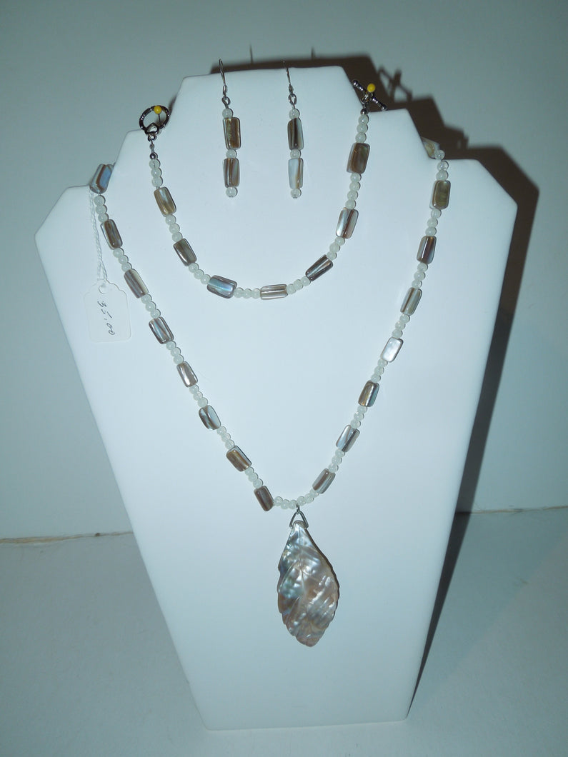 Jewelry - Shell and Mother of Pearl Beads