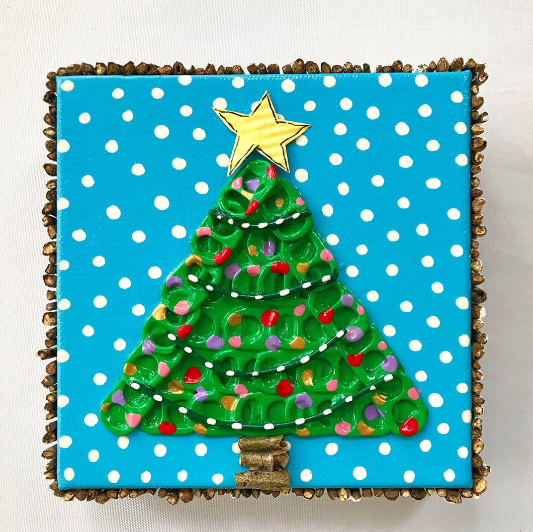 Pull Tab Christmas Tree (Sorry..this one is gone but I would be happy to make you something similar.)