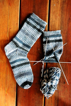 242 - Beginner's Mid-Weight Sock - Fengari Fiber Arts