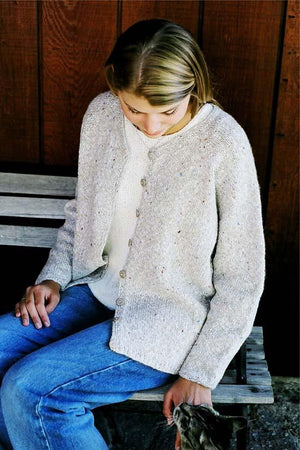 994 - Women's V-Neck Cardigan - Fengari Fiber Arts