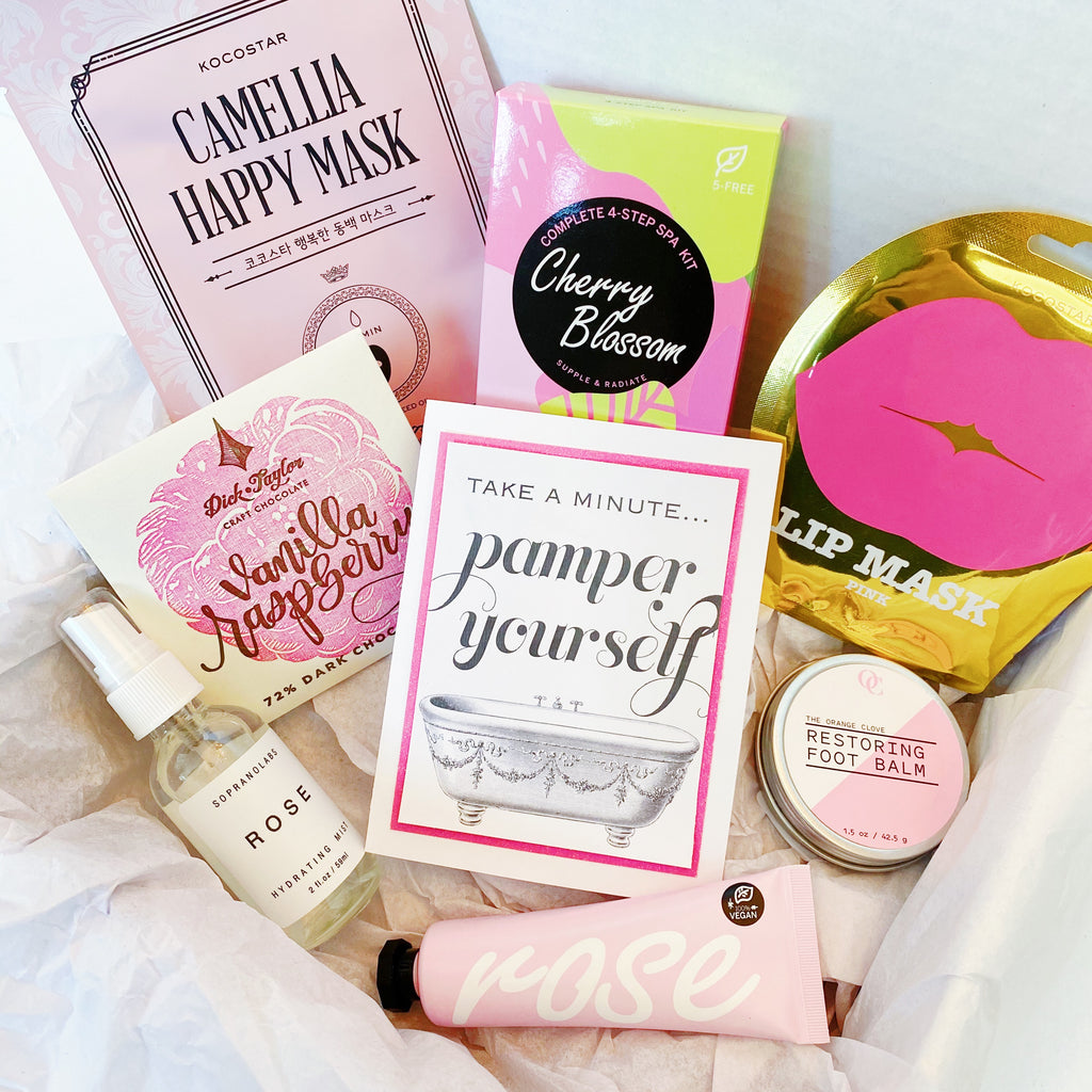 "Rose ""Pamper"" Gift Box"