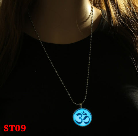 Kalung Glow In The Dark Om Mani Padme Hum (ST09)