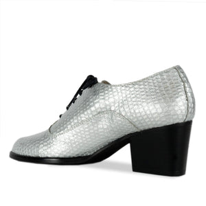 FRANK+Alice Frankie Metallic Leather Oxford Silver Angled Heel View