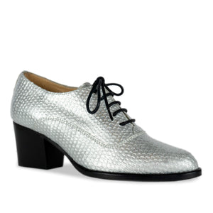 FRANK+Alice Frankie Metallic Leather Oxford Silver Angled Toe View