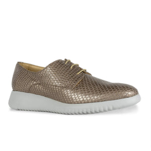 FRANK+Alice Issy Metallic Leather Derby Rose Gold Angled Toe View