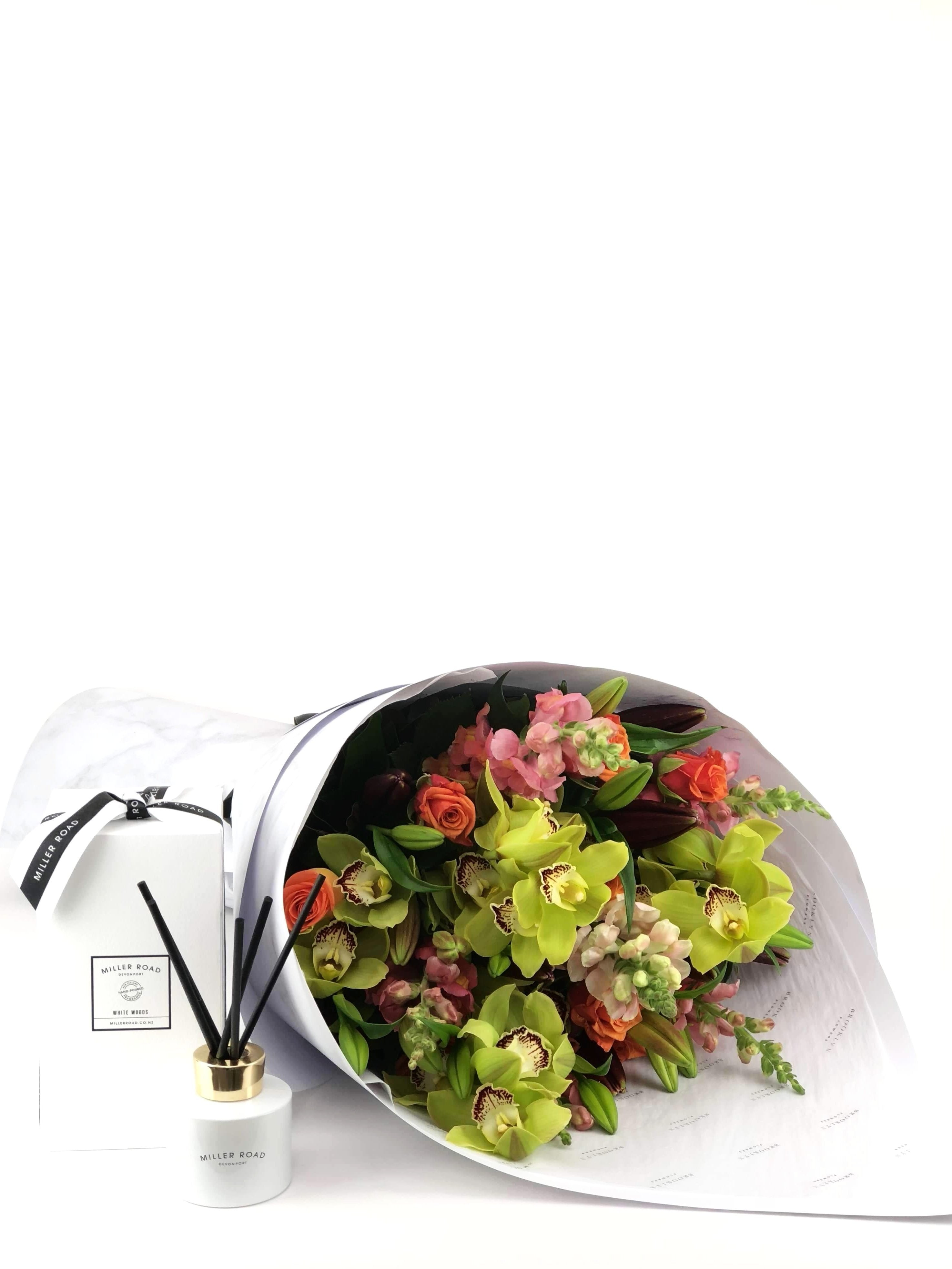 Bouquet and Gift Package, Bouquet & Diffuser, Cheerful, Bouquet, Brooklyn Flowers, Auckland Florist