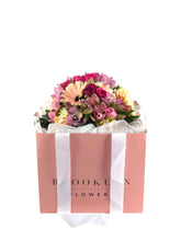 Load image into Gallery viewer, Pretty Posy Bag - Brooklyn Flowers