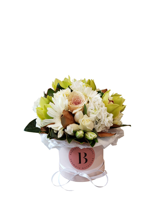 Brooklyn Posy Box Serene - Brooklyn Flowers
