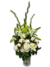 Load image into Gallery viewer, White Supreme Bouquet
