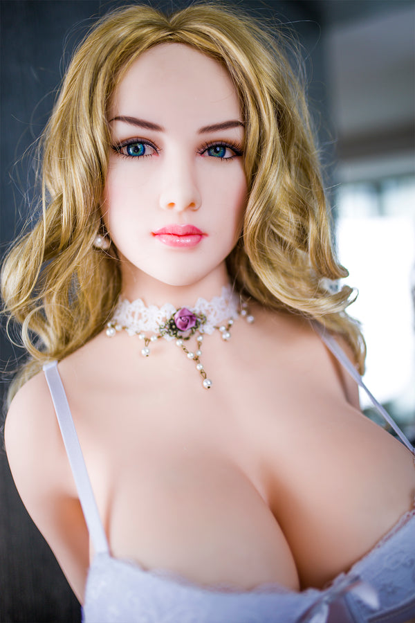 Realistic Love Doll 04