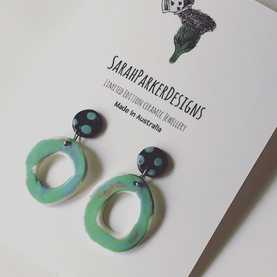Drop earrings - Green loop