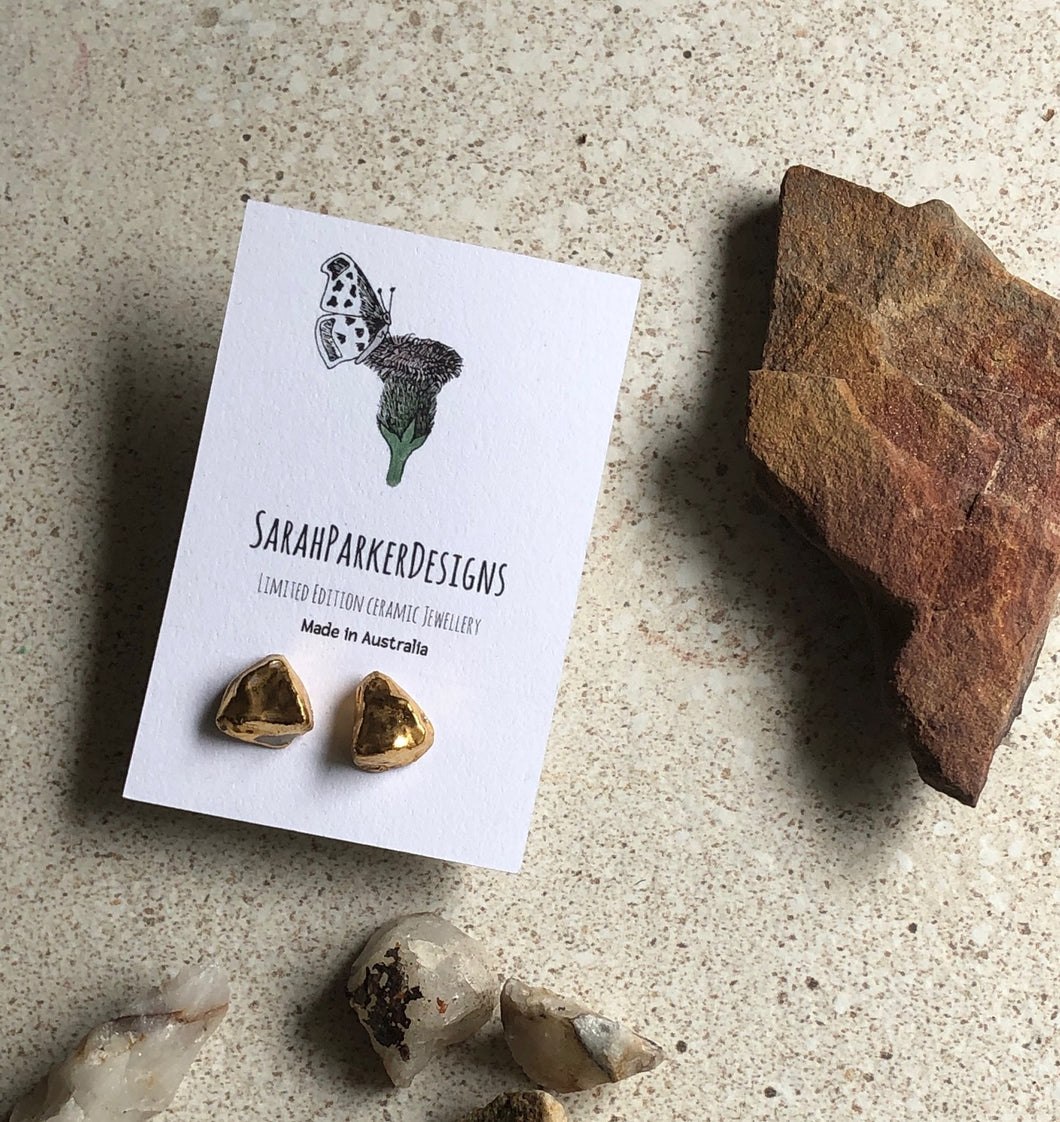 Porcelain rock design stud earrings