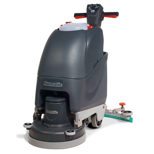 NUMATIC TT4045 SCRUBBER DRYER W/SCRUB BRUSH + PAD DRIVE (1 ONLY)
