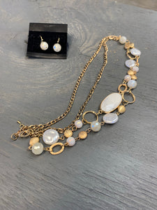 White natural stone necklace set