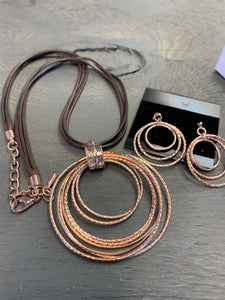 Rope and rose gold necklace set