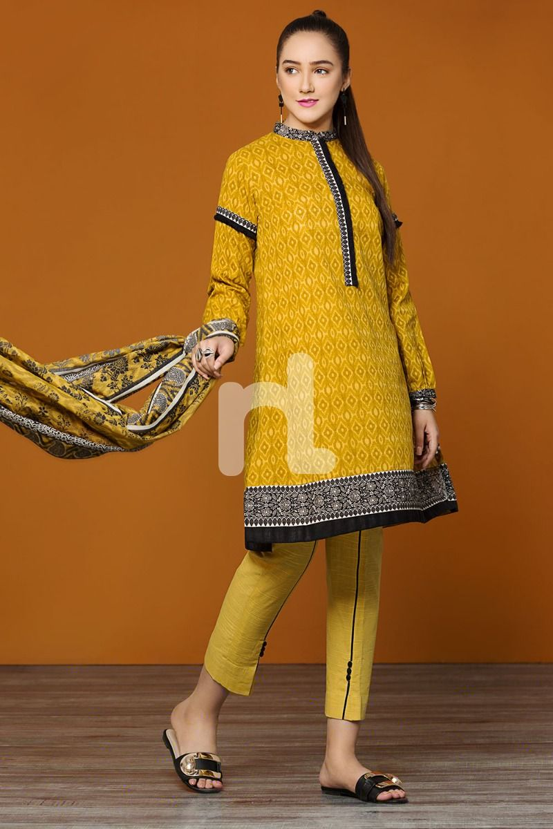 Karandi Dupatta – Yellow Printed 3PC - Stitched Suit