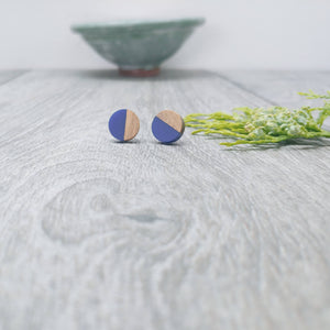 Wood and Navy Resin Colourful Stud Earrings - Round