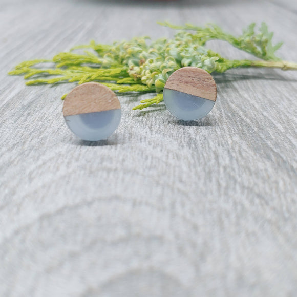 Wood and Smoke Blue Resin Colourful Stud Earrings - Round