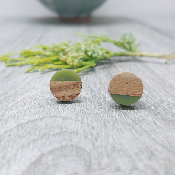 Wood and Forest Green Resin Colourful Stud Earrings - Round